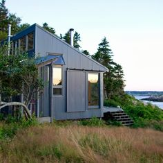 Tiny House Love -13 Small Coastal Cottages by the Sea
