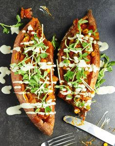 Stuff your face with these glorious stuffed sweet potatoes! via @https://au.pinterest.com/dvegans/