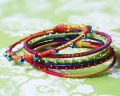 Quiet Lion Creations: Easy Bangle Bracelets with link to tutorial