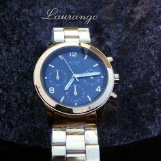 Reloj Guess Dorado $35.000 Envíos Nacionales.  Whatsapp 3015656550