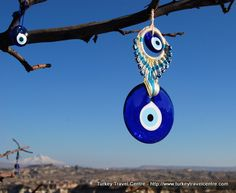 The evil eye can be purchased in many forms such as jewellery, ceramics or keyrings. #turkey #blue