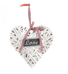 WOODEN HANGING HEART IN WHITE COLOR 28X32X7
