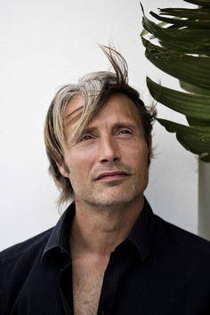 Mads & Hannibal — madsmikkelsennews: Cannes 2012 shoot in HQ! Hannibal Cast, Hannibal Lecter, Beatiful People, Pretty People, Imaginary Boyfriend, Hugh Dancy, Look At The Stars, Mads Mikkelsen, Raining Men