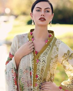Salwar Neck Designs, Neck Designs For Suits, Kurta Neck Design, Neckline Designs, Sleeves Designs For Dresses, Dress Neck Designs, Kurta Designs Women, Stylish Dress Designs, Pakistani Dresses Casual
