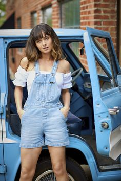 These short overalls are suited perfectly for every warm-weather occasion. With a 4'' inseam, oversized front pocket, and utility loop, this style pairs summertime comfort with details that pay homage to our workwear roots. Their relaxed, 100% cotton construction and adjustable straps make them a style staple. Short Overalls, Vintage Modern, Sweet Style, Workwear, Overall Shorts, Warm Weather, Roots, Vintage Ladies, Summertime