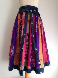 銘仙の着物からスカートいろいろな銘仙の生地を使いスカートを作りました。綺麗な色の生地を選び、バランス良く組み合わせてみました。絹 ウェストはゴムは使っていませ...|ハンドメイド、手作り、手仕事品の通販・販売・購入ならCreema。 Asian Fashion, Diy Fashion, Fashion Outfits, Womens Fashion, Japanese Fabric, Japanese Kimono, Office Fashion Women, Kimono Dress, Kawaii Fashion