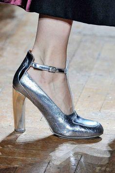 Dries van Noten_Silver_Metallic_Pump_Shoe_Catwalk_Christmas