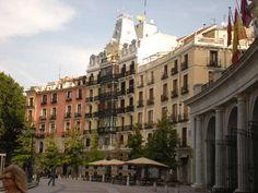 Madrid: Dove festeggerete il Capodanno? Se siete in partenza per #Madrid #Vienna o #Berlino, o se avete in mente #Torino, ecco qui qualche consiglio:http://www.iviaggidimonique.it/capodanno-2015-dove-andare-ecco-5-mete-da-cogliere-al-volo/