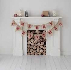 Buy Merry Christmas Hessian Bunting from the Bunting range at Hobbycraft. Christmas Tree Kit, Merry Christmas Message, Christmas Bunting, Christmas Messages, Felt Christmas, Christmas Crafts, Christmas Ideas, Christmas Decorations, Holiday Decor