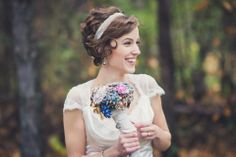 short haired bride, brooch bouquet