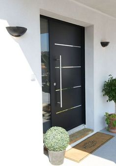 41 Marvelous And Modern Front Door Design Ideas For Your Home - In our commercial world everything holds its commercial value. In the past things which had limited or no commercial value have now turned into exchan. Modern Entrance Door, Home Entrance Decor, Modern Front Door, House Front Door, Front Door Design, Entrance Design, House Doors, House Entrance, Entrance Doors