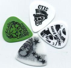 4 Guitar Picks