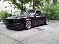 BMW E30 325i M Tech 2 black