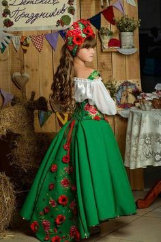 Style Fashion Tips .Style Fashion Tips Mexican Costume, Mexican Outfit, Mexican Dresses, Mexican Quinceanera Dresses, Robes Quinceanera, Little Girl Dresses, Flower Girl Dresses, Style Russe, Fiesta Outfit
