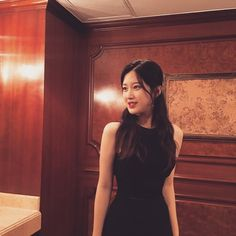 I have a girl crush on her. Major one! Young Actresses, Korean Actresses, Korean Actors, Actors & Actresses, Korea Fashion, Kpop Fashion, Classy Aesthetic, Kdrama Actors, Mean Girls