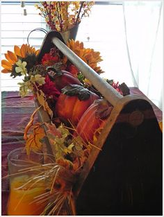 Autumn Tool Caddy...Makes me wish I'd bought that one I saw at the craft/antique shop !! @Carla Jean