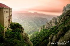 Montserrat Monastery, Barcelona, Spain. (Picture by IsacGoulart on DeviantArt)