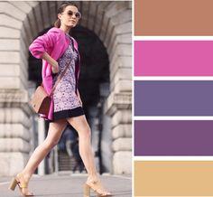Единая холодная палитра: пальто в тон элемента принта платья. Аксессуары нейтральные, нюдовые босоножки удлиняют ногу.