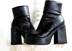 90s chunky ankle boots / size US 8 / 1990s Sketchers platform boots / black vegan ankle boots / boho grunge 90s boots / SunnyBohoVintage by SunnyBohoVintage on Etsy