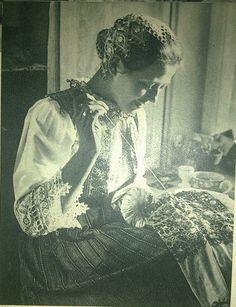#Piešťany #Považie #Slovensko #Словакия #Slovakia Old Photos, Vintage Photos, Heart Of Europe, Decoupage Vintage, Sewing Art, Eastern Europe, Historical Photos, Folklore, Art Photography
