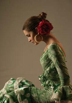 Pilar Vera pinned with Bazaart Dance Art, Ballet Dance, Flamenco Costume, Geisha, Spanish Dancer, Dance Fashion, Dance Photography, Just Dance, Culture