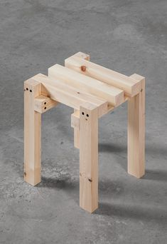 Diy Stool, Stool Chair, Wood Stool, House Furniture Design, Chair Design, Furniture Making, Diy Furniture, Making A Bed Frame, Asian Interior