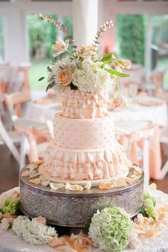 27 Spectacular Wedding Cake Ideas - MODwedding