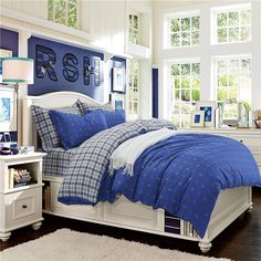 British Bear Blue Bedding Set Teen Bedding Dorm Bedding Bedding Collection Gift Idea Blue Bedding Sets, Teen Bedding, Modern Bedding, Pillow Shams, Pillows, Rounded Rectangle, Flat Sheets, Floral Style, Bedding Collections