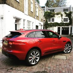Day 2 with the mighty #Jaguar F-Pace. This is a lovely SUV to drive and look at.
