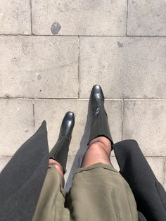 Minimalist Photos, Hunter Boots, Rubber Rain Boots, Clogs, Winter, Summer, Fashion, Clog Sandals, Winter Time