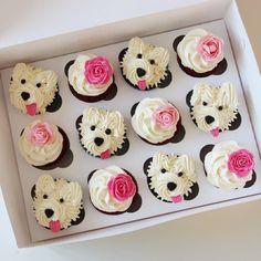 Теперь и в розовомМилашки-мордашки для девочки! Именинница сама выбирала состав набора и его оформление☝ Кстати, очень органичный получился выбор  #dogcupcake #cupcake #dog #капкейки #капкейкиекб