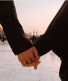 Cute Muslim Couples, Funny Couples, Cute Couples Goals, Romantic Couples, Couple Goals, Le Couple Parfait, Karbala Photography, Love In Islam, Islamic Girl