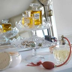 cake stand for perfume, jewelry... Pretty!