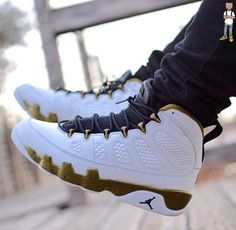 03a5c7ba44290f Releasing Air Jordan 9  Statue  On Feet August