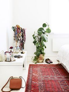 bedroom rug goodness!.