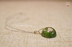 Snail Necklace, Green Moss Necklace, Real Moss Pendant, Moss Jewelry, Snail Shell Necklace, Resin Necklace, Epoxy Jewelry, Resin Jewellery