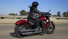 SOFTAIL® SLIM™ - No-nonsense, bobber style:short fenders, low saddle and tons of attitude.