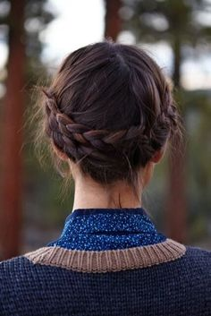 cheveux mi-longs rapide et facile automne-hiver 2016 braided updo - I like the braids at the back instead of the front for a change.braided updo - I like the braids at the back instead of the front for a change. Pretty Hairstyles, Braided Hairstyles, Braided Updo, Braided Crown, Hairstyle Ideas, Hairstyle Tutorials, Wedding Hairstyles, Ladies Hairstyles, Medium Hairstyle