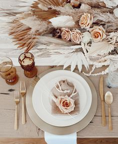 Soft and lovely neutrals and pinks for a Thanksgiving tablescape by Katrina Scott. Pink Christmas Decorations, Wedding Decorations, Pink Candles, Thanksgiving Tablescapes, So Creative, How To Preserve Flowers, Decoration Table, Wedding Table, Boho Wedding