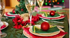 Holiday time for vegans can be complicated, but finding the perfect animal-product-free entree is not impossible. In fact, there are plenty of vegan Christmas ham alternatives that are just as filling, just as festive, and just as tasty as its… Christmas Ham, Vegan Christmas, Christmas 2017, Seitan, Tofu, Holiday Dinner, Holiday Time, Decadent Chocolate Cake, Fourth Of July Food