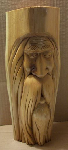 Wood Carving Faces, Dremel Wood Carving, Wood Carving Designs, Tree Carving, Wood Carving Patterns, Wood Carving Art, Wood Patterns, Wood Art, Chainsaw Wood Carving