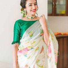 Here are 13 stylish, and also highly wearable, blouse designs to try with any sarees. Go trendy and fashion forward on your saree style. Blouse Back Neck Designs, Stylish Blouse Design, Fancy Blouse Designs, Bridal Blouse Designs, Kerala Saree Blouse Designs, Cotton Saree Blouse Designs, Indian Blouse Designs, Latest Saree Blouse Designs, Choli Designs
