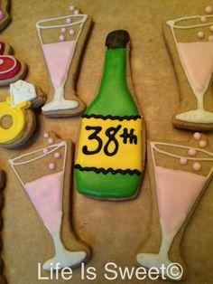 Girly birthday cookies