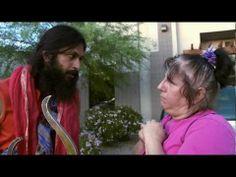 Kumare - Official Trailer HD (Vikram Gandhi) So freaking good! Official Trailer, Documentary Film, Latest Movies, True Stories, Documentaries, Believe, Tv Shows, Cinema, Gandhi