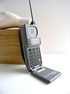 Vintage Motorola car phone/ cel phone 1980s by GreatGuyGifts #motorola #mobile