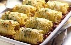 Prepara unos exquisitos rollos de lasagna de pollo y queso