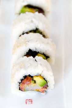 """""""Not So Special Roll"""" - spicy tuna scallop sushi roll recipe Sashimi, My Sushi, Sushi Love, Sushi Roll Recipes, Sushi Night, Sushi Party, How To Make Sushi, Sushi Rolls, Rolls Recipe"""
