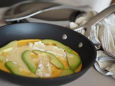 Omelett med brie og avocado
