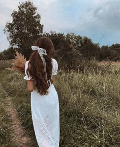 aesthetic girl Uploaded by B O S P H O R U S. Find images and videos about gencler on We Heart It - the app to get lost in what you love. Shaved Side Hairstyles, Braided Hairstyles, Female Hairstyles, Hairstyles 2018, Bandana Hairstyles, Princess Aesthetic, Aesthetic Girl, Natural Hair Styles, Vintage Hairstyles