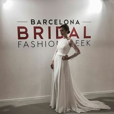 Llegan nuestras propuestas para el 2018 manugarciacostura StarSystem  StarSystemhellip 2017 Bridal, Formal Dresses, Wedding Dresses, Fashion, Proposals, Wedding Bouquets, Bridal, Grooms, Elegant